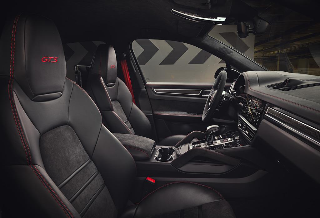 2020 Porsche Cayenne GTS - intérieur