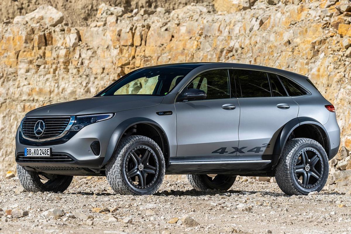 2020 Mercedes EQC 4x4x2 Concept