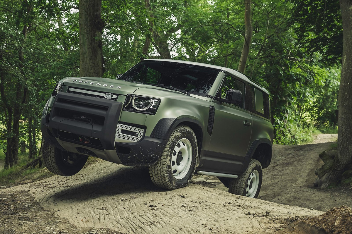 Land Rover Defender - World Car Design of the Year 2021