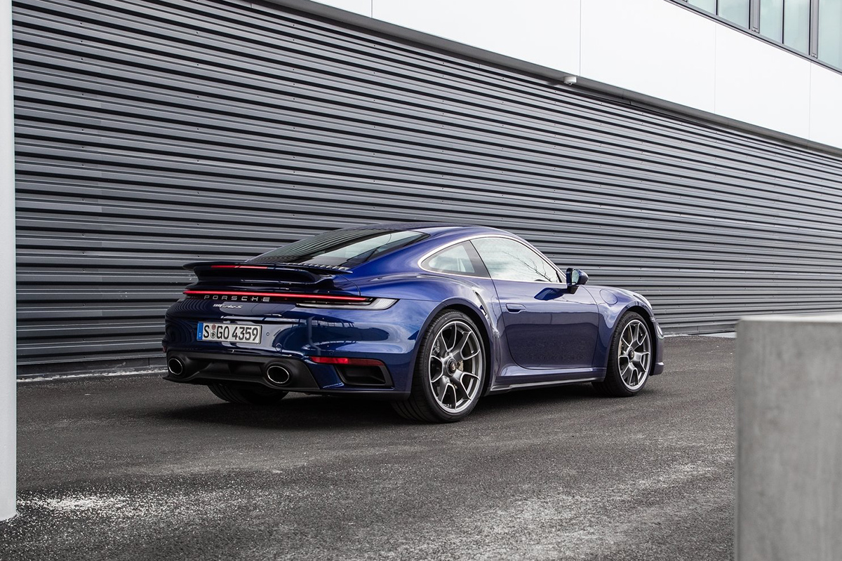 Porsche 911 Turbo - World Performance Car of the Year 2021