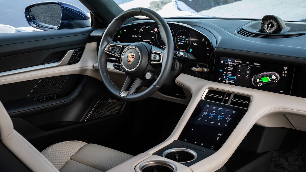 Porsche Taycan digital experience 2021