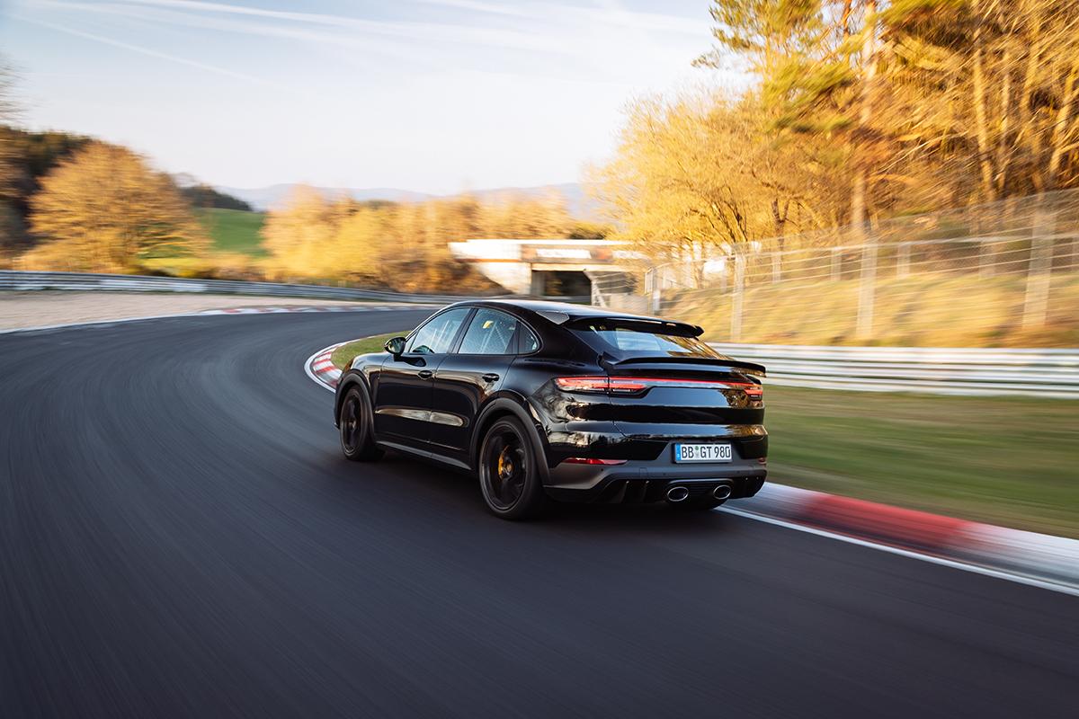2021 Porsche Cayenne Coupé Performance Nordschleife