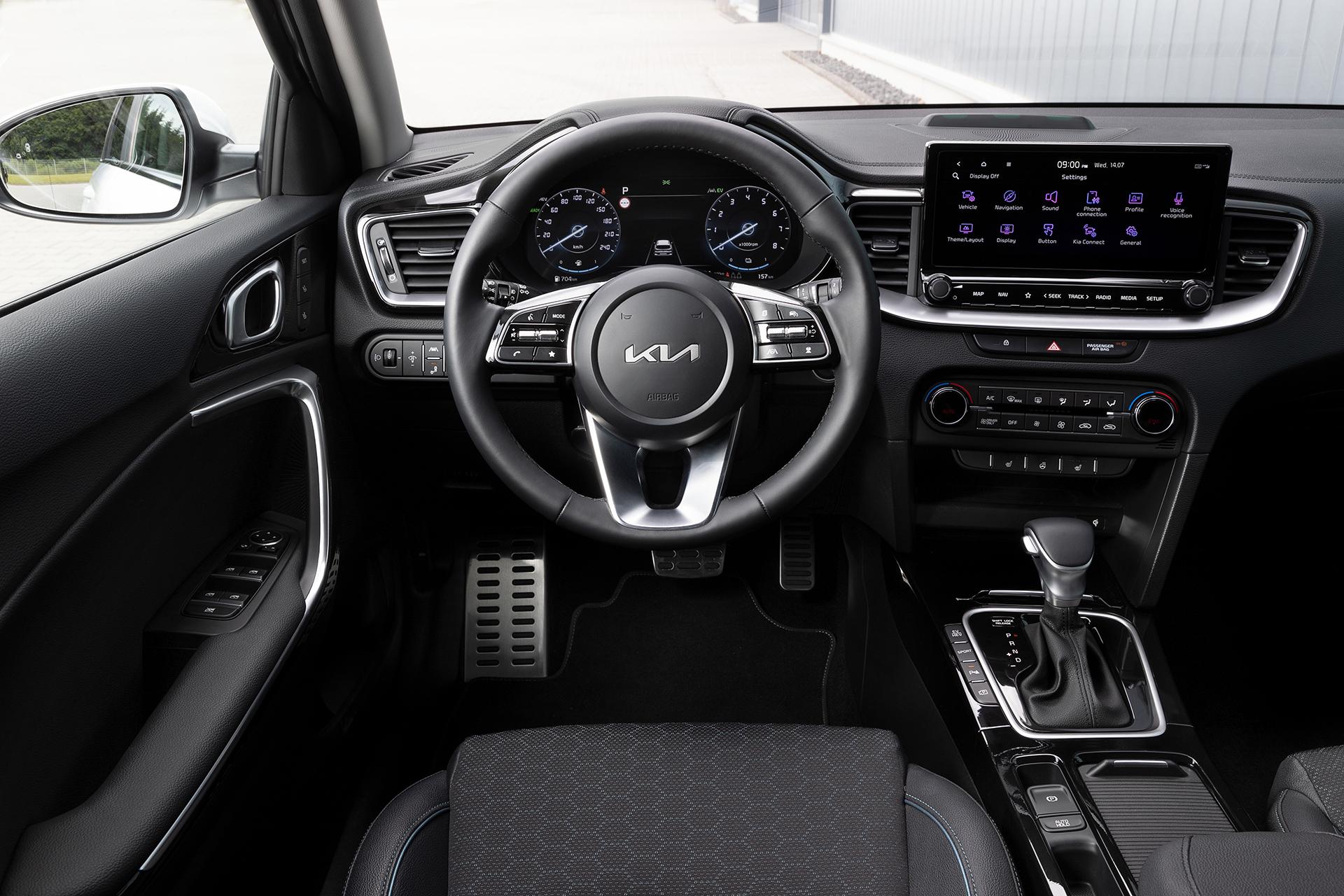 2022 facelift Kia Ceed interior