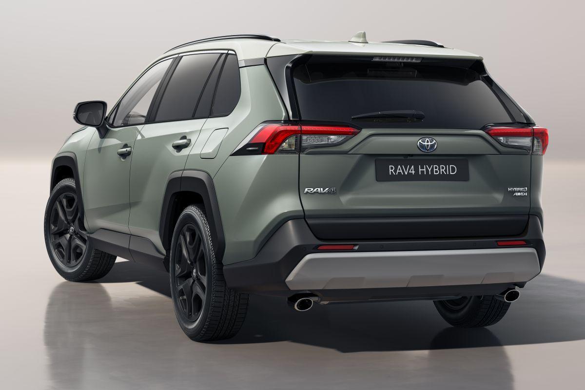2022 Toyota RAV4 Hybrid AWD-i Adventure