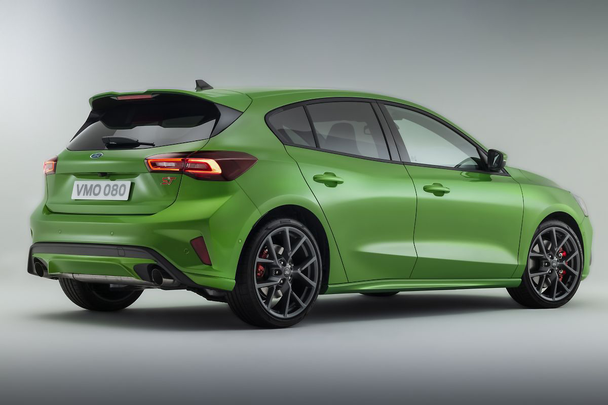 2022 Facelift Ford Focus ST Mean Green