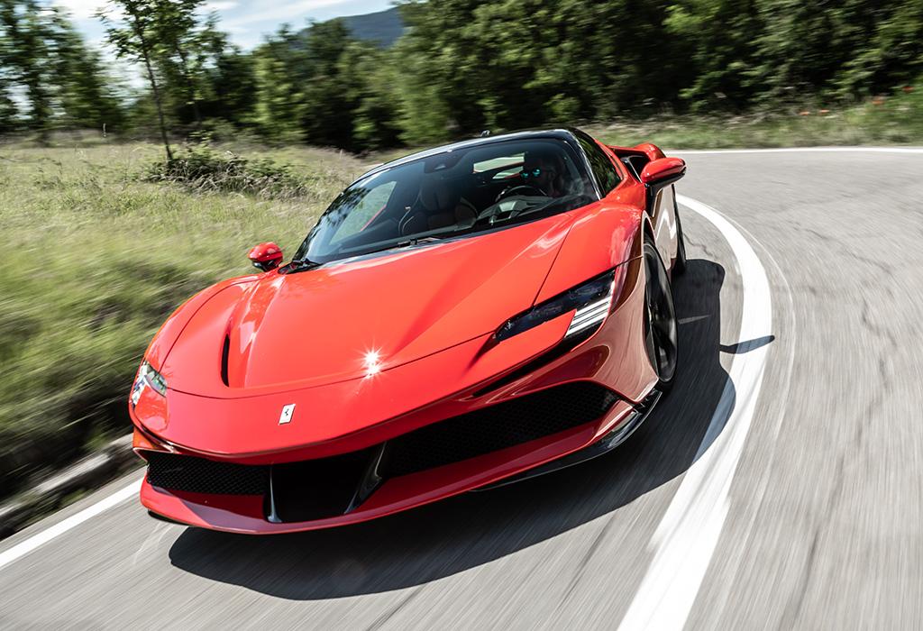 Test Ferrari SF90 Stradale - AutoWereld 2020