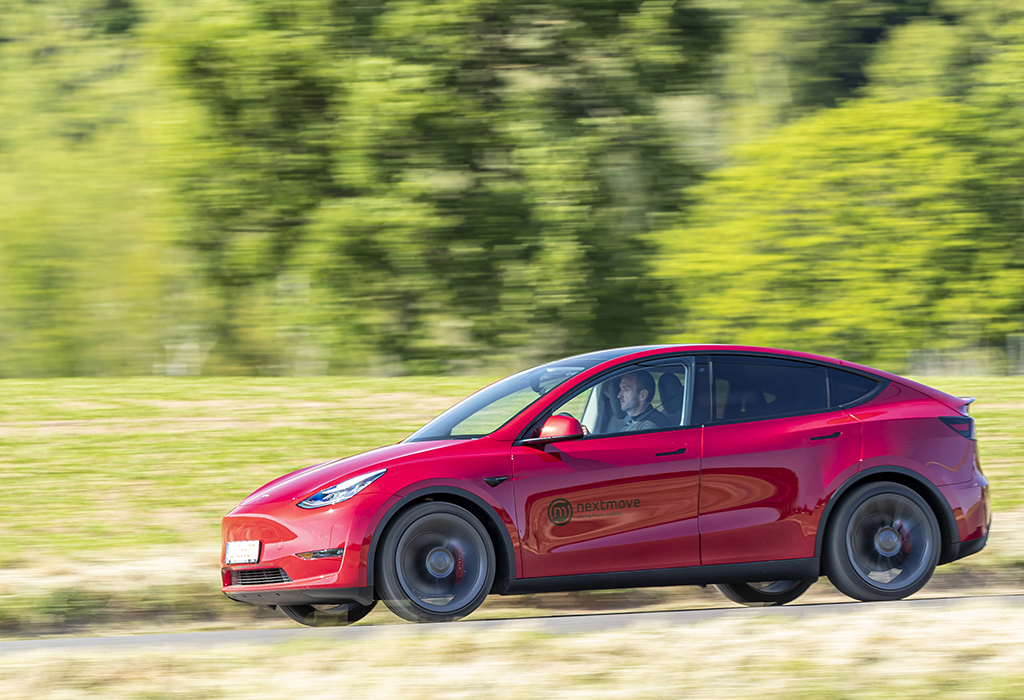 Test Tesla Model Y Dual Motor AWD Performance