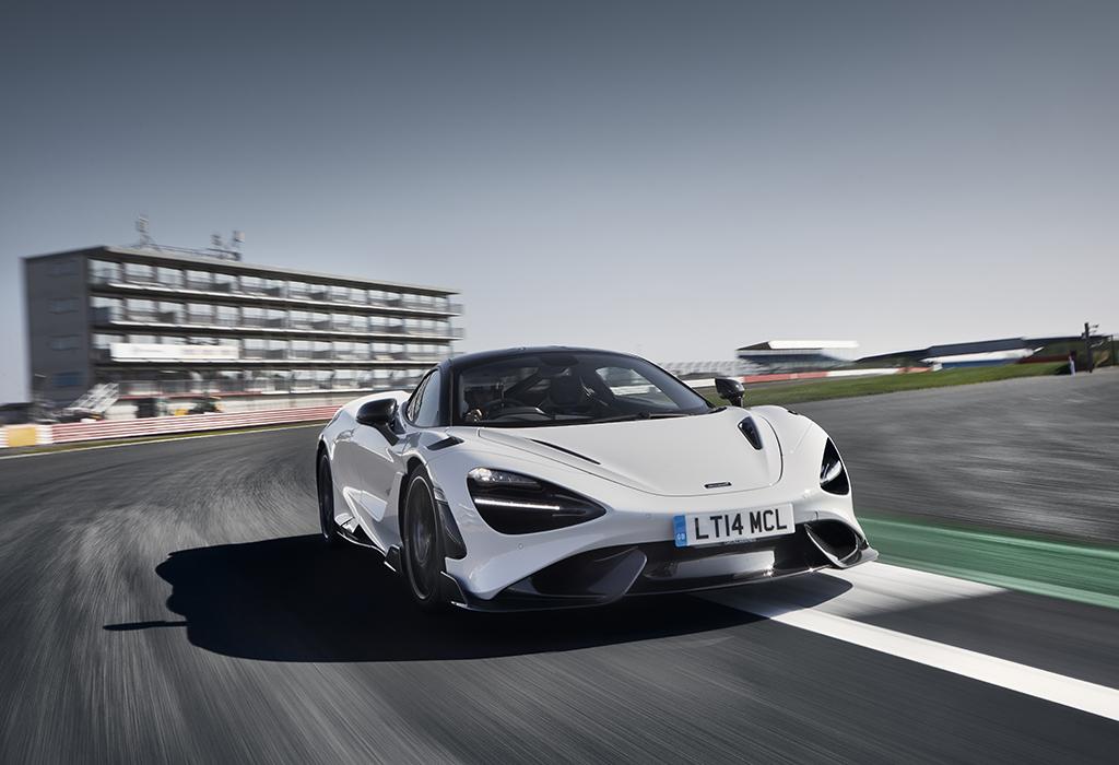 Test McLaren 765LT - AutoWereld 2020