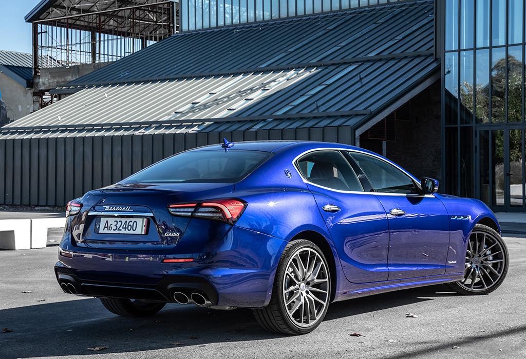 Test Maserati Ghibli Hybrid - AutoWereld 2020