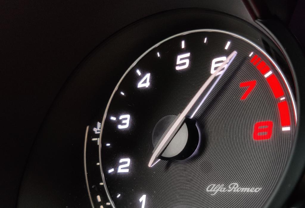 Test Alfa Romeo Giulia Quadrifoglio - AutoWereld 2020