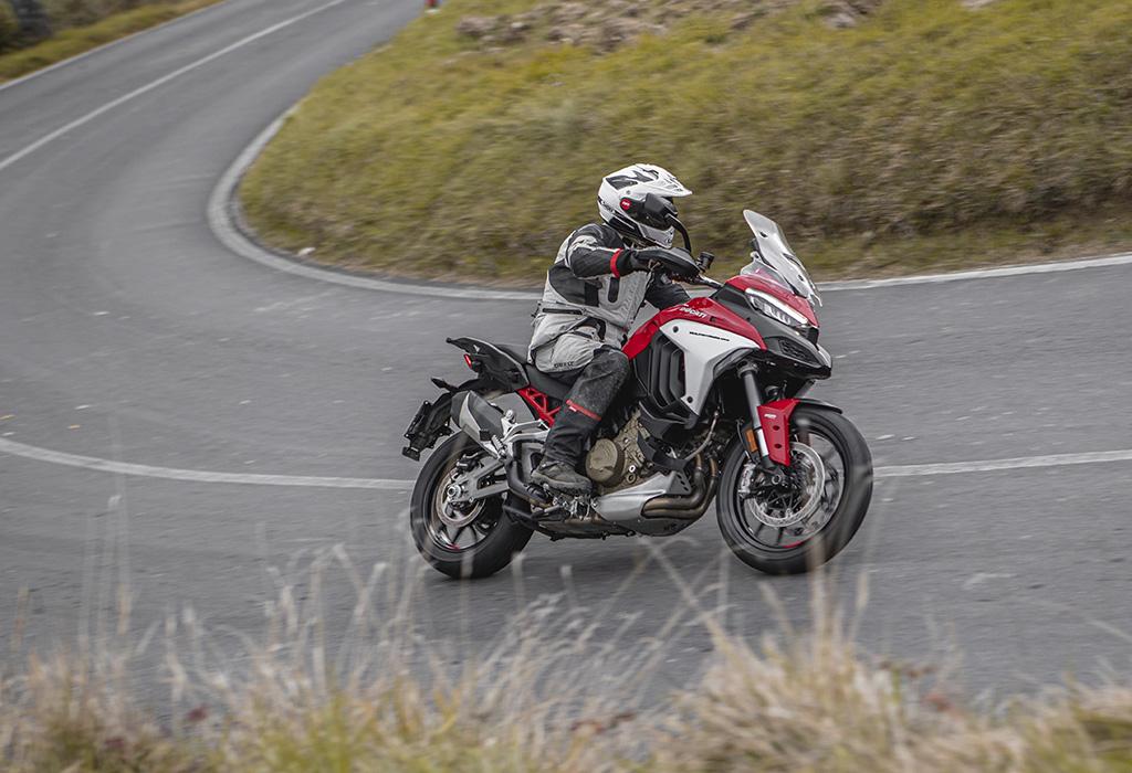 Test Ducati Multistrada V4 S - AutoWereld 2020