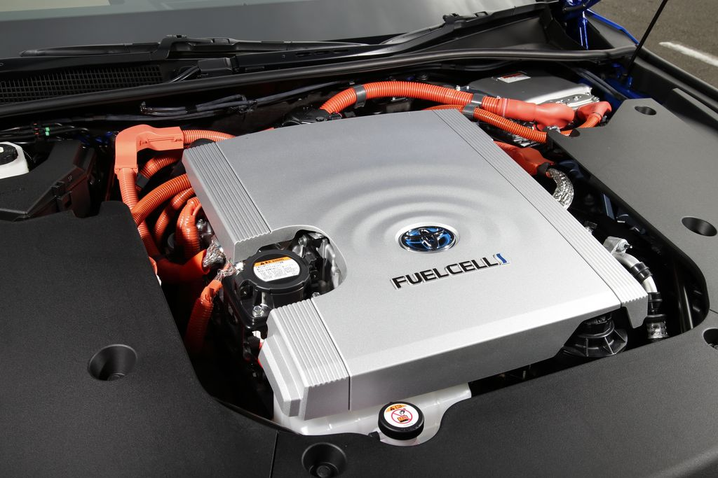 Test Toyota Mirai FCEV - AutoWereld 2020