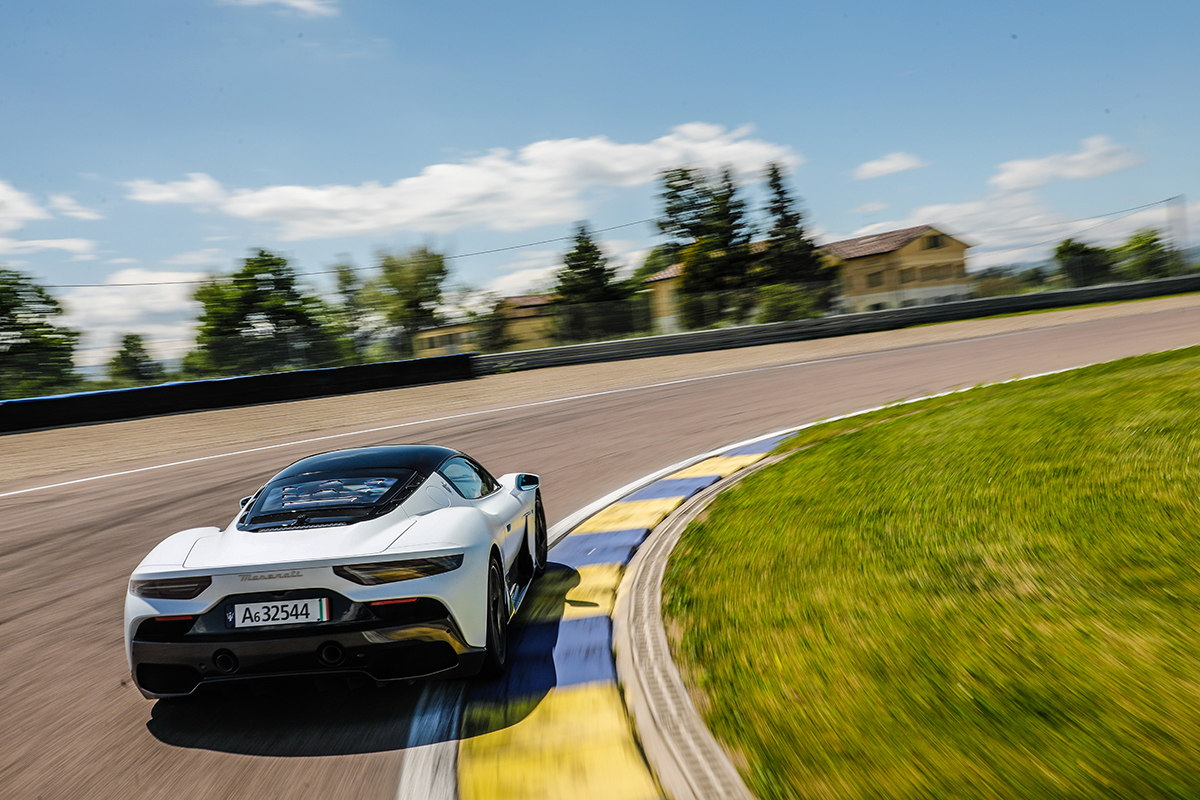 Test 2021 Maserati MC20 - Review AutoWereld