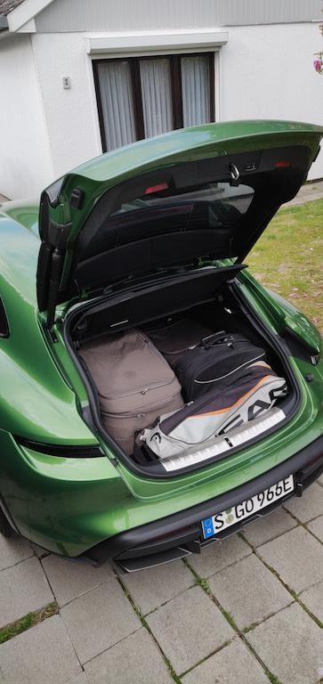 Test 2021 Porsche Taycan Cross Turismo Turbo S