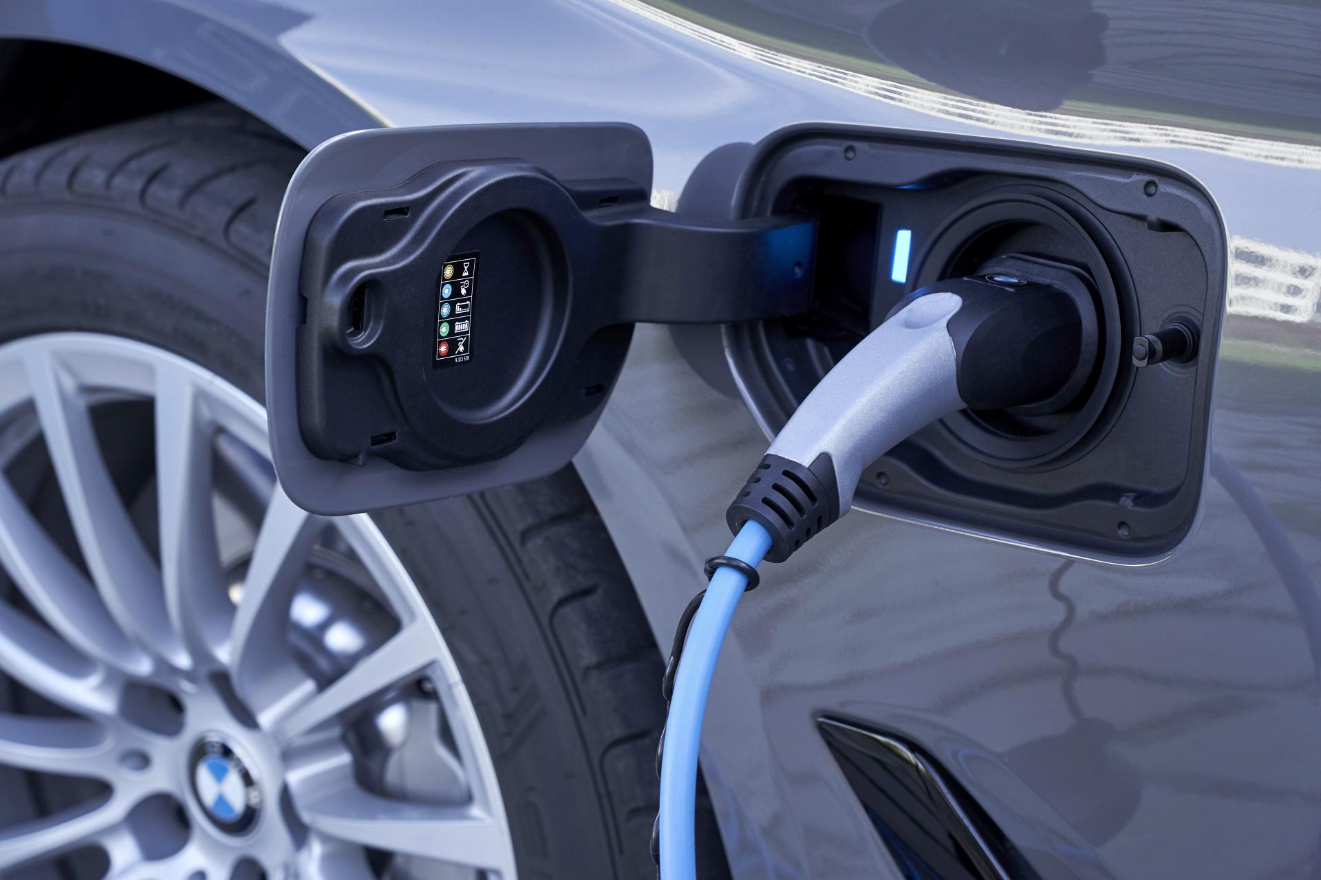 Test 2021 BMW 520e PHEV - Review AutoWereld