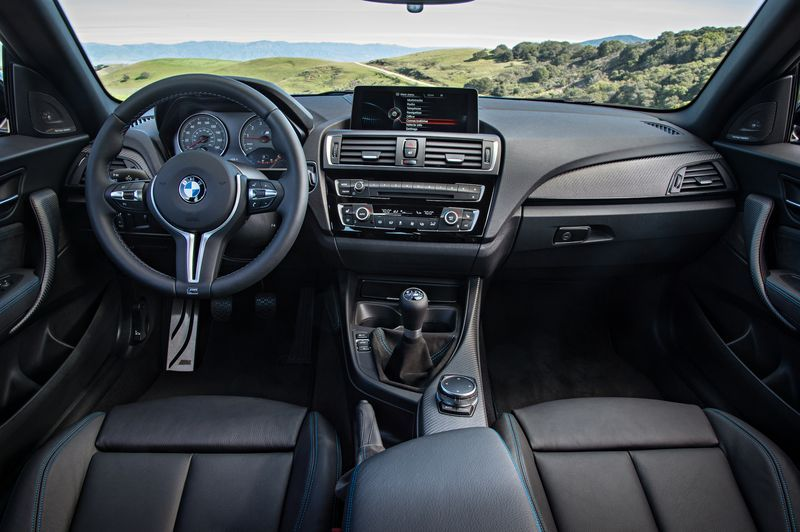 essai bmw m2 coup le retour de la m3 originelle moniteur automobile. Black Bedroom Furniture Sets. Home Design Ideas