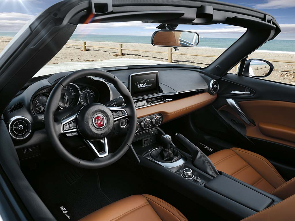 essai fiat 124 spider 2016 moniteur automobile. Black Bedroom Furniture Sets. Home Design Ideas
