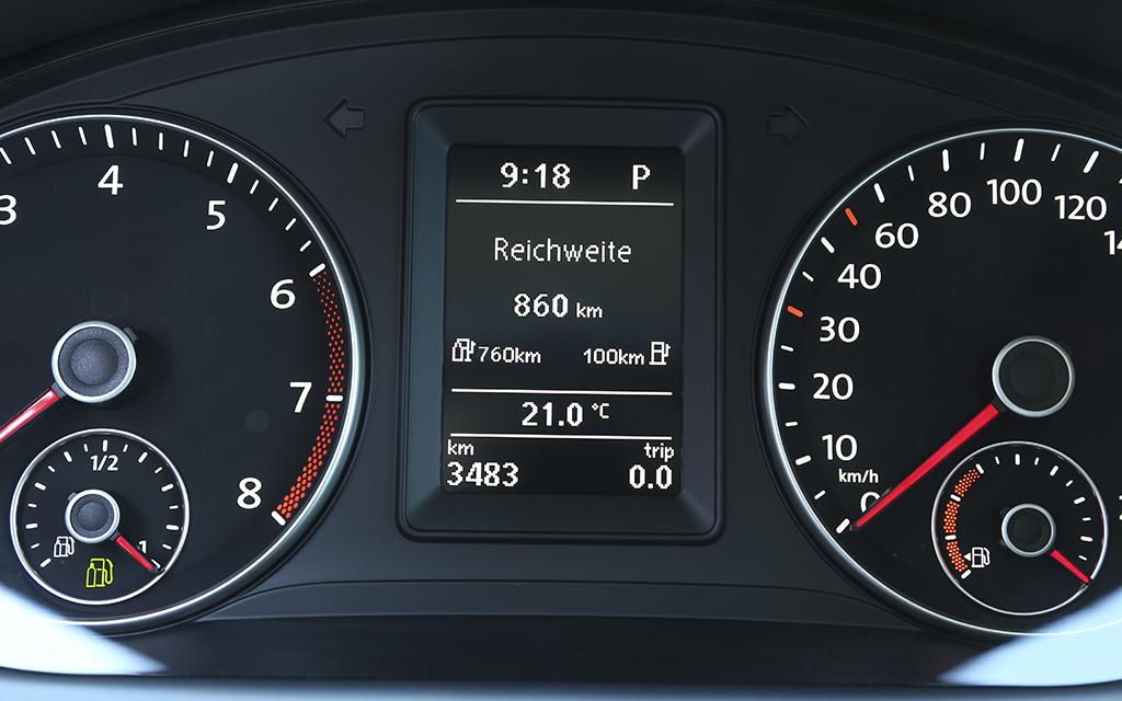 volkswagen-caddy-tgi-dashboard.jpg