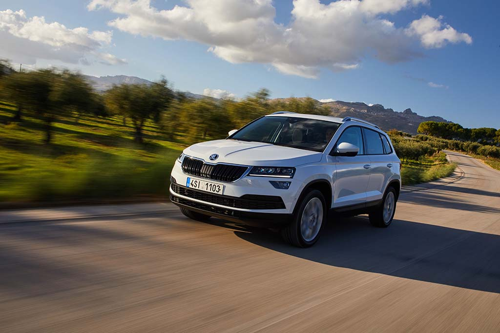 test skoda karoq suv with eenvolumerinspiratie main info. Black Bedroom Furniture Sets. Home Design Ideas