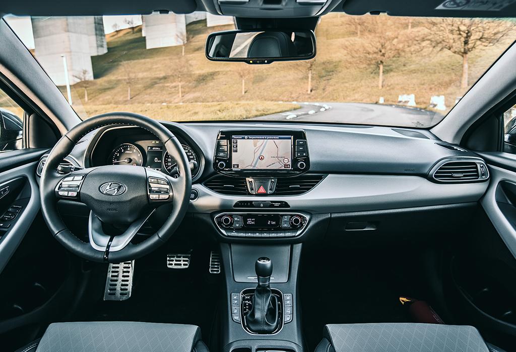Test Hyundai i30 Fastback AutoWereld