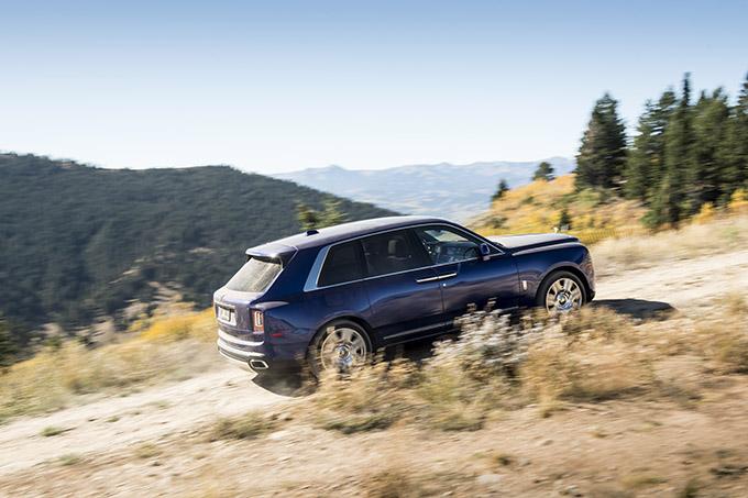 Test Rolls-Royce Cullinan SUV 2018