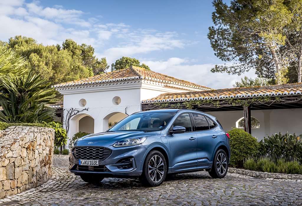 Test: Ford Kuga PHEV - AutoWereld 2020