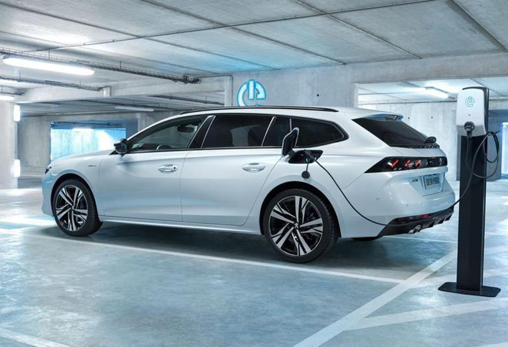 Test: Peugeot 508 SW Hybrid GT - AutoWereld 2020