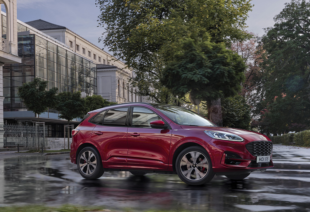 Test / Ford Kuga PHEV / Moniteur Automobile