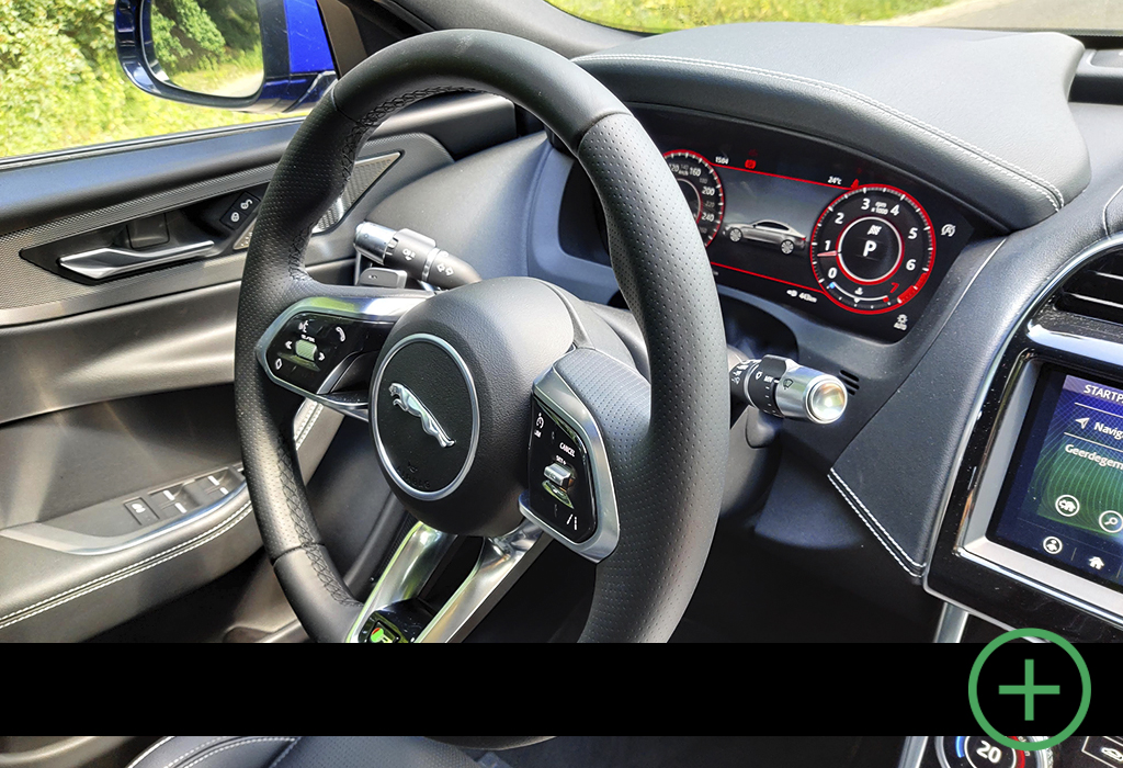 Blog / Jaguar XE / Moniteur Automobile