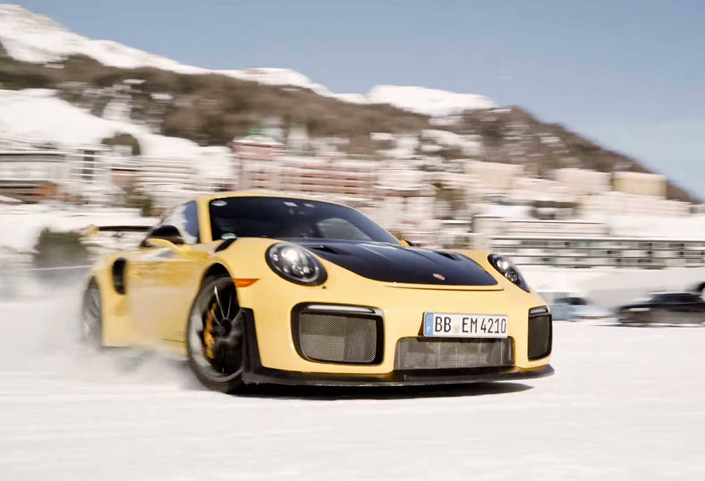 Porsche 911 GT2 RS Snow