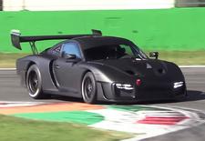 De 77 exemplaren die Porsche van de nieuwe, op de 911 GT2 RS gebaseerde 935 gaat bouwen, zijn niet gehomologeerd voor de openbare weg. Gelukkig zijn er circuits genoeg om de teugels te vieren. Zoals dat van Monza.