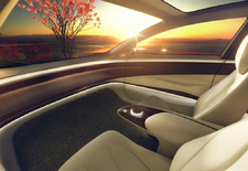 70% des personnes pensent qu'il est déjà possible d'acheter une voiture autonome. Ils ont complètement tort, selon une étude réalisée par Euro NCAP.  L'organisme a vérifié l'efficacité des systèmes de conduite autonome actuels en testant les systèmes d'assistance automatique de 10 voitures modernes.