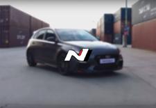 Hyundai komt met een nog snellere versie van de reeds behoorlijk snelle i30 N. We kregen de Project C eerder te zien, schuilend onder een laag camouflagetape. Nu toont de hardcore hot hatch zich volledig.