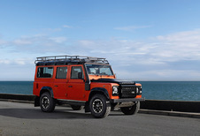 Land Rover Defender 5d 110 Station Wagon SE