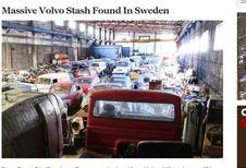 Plein de vieilles Volvo dans un entrepôt en Suède