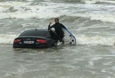 INSOLITE – Il abandonne son Audi sur la plage