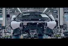 VIDÉO - BMW i8 Roadster : l'effeuillage se poursuit sur la toile...