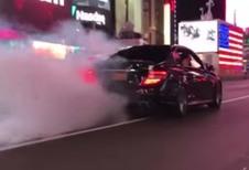 BIJZONDER – AMG-rijder tart politie tot het uiterste