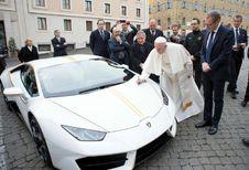 715.000 € pour la Lambo du pape François