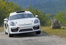 Porsche 718 Cayman GT4 Clubsport Rally lust zand