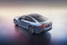Toyota Mirai tankt waterstof, rijdt elektrisch en komt eind 2020 #1