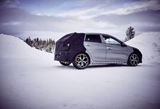 Hyundai i20 N test in de sneeuw met Neuville