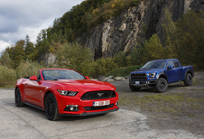 Ford Mustang Convertible 5.0 V8 vs Ford F-150 Raptor