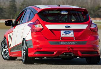 TOURWAGENRACER: Ford Focus Race Car Concept #1
