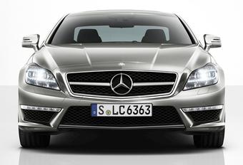 MERKENTROUW: Mercedes op kop, Fiat rode lantaarn #1