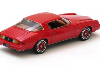 IN HET KLEIN: Chevrolet Camaro en Pontiac Firebird (Neo, 1/43) #1
