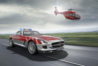 FLYING DOCTOR: Mercedes SLS Emergency Medical Vehicle Concept #1