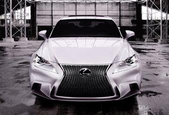 HELEMAAL OFFICIEEL: Lexus IS 300h #1