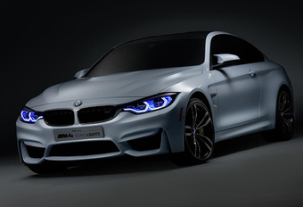 BMW M4 Iconic Lights blikt vooruit #1