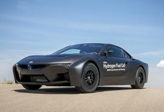 BMW i8 Hydrogen lonkt naar The Dark Side #1